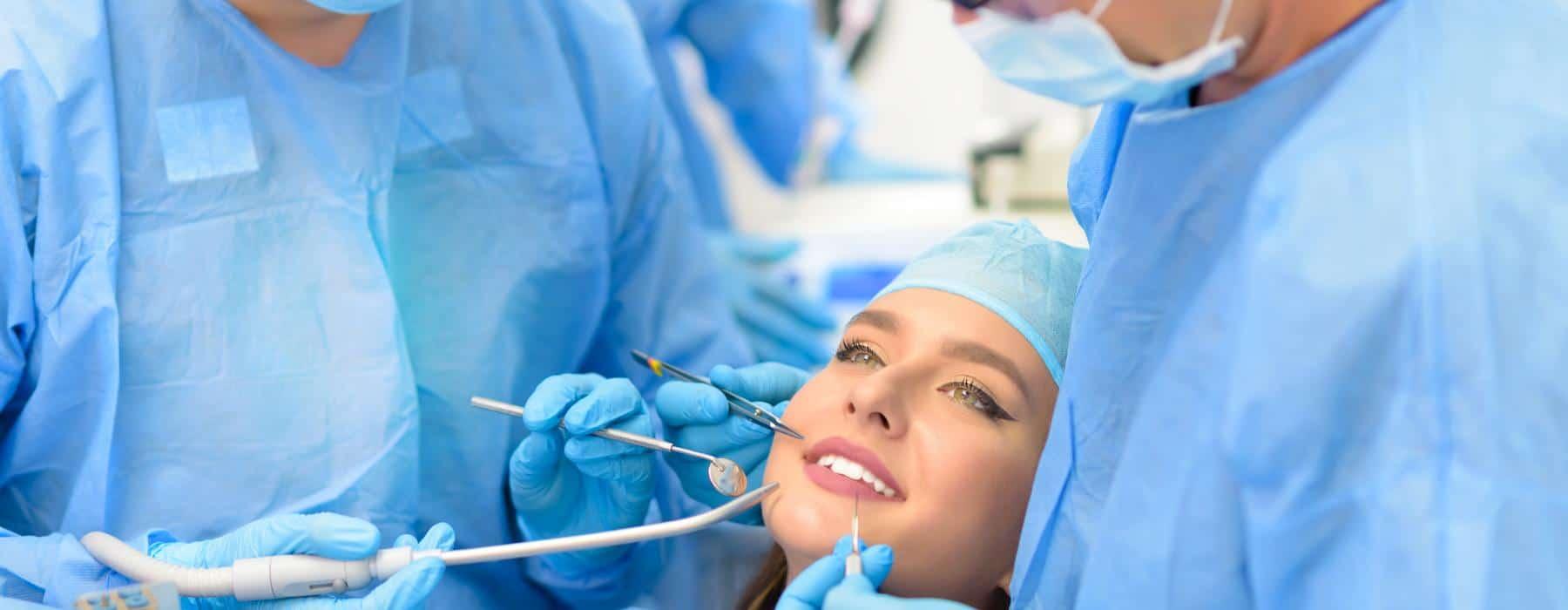 composição de um implante dentário
